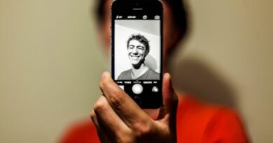 How to Choose the Right Profile Picture for Your Dating Profile